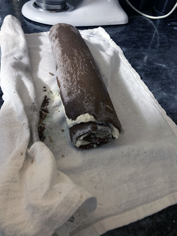 filled cake roll