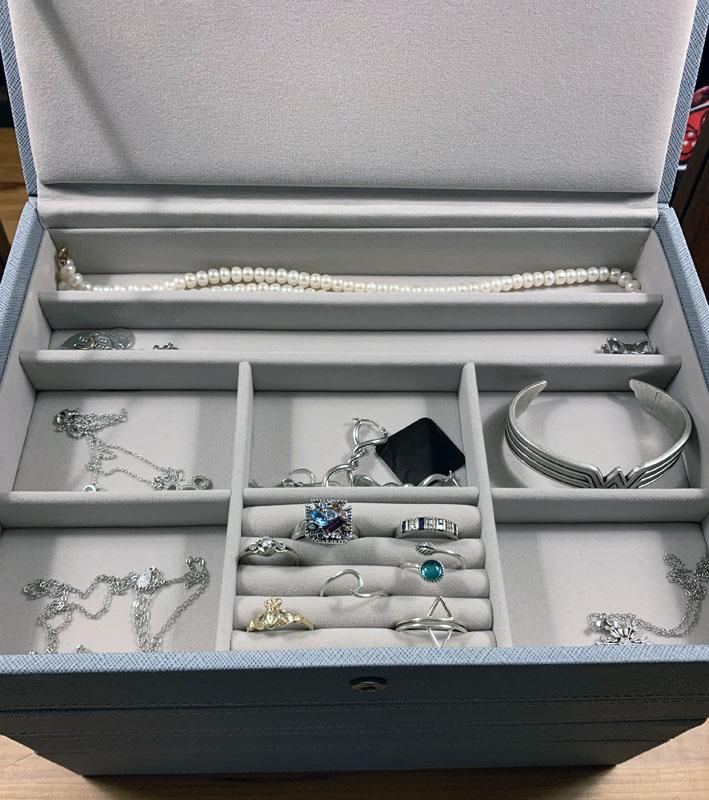 jewelry box top level