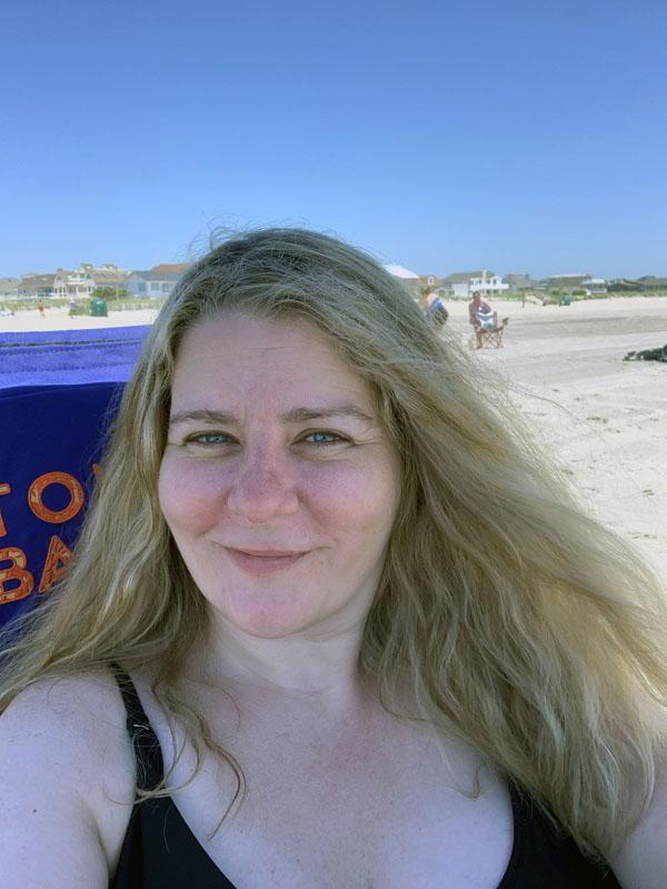 thirst trap beach selfie